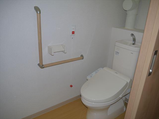 居市内トイレ